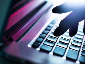 两名尼日利亚人面临美国数亿美元在线欺诈指控
