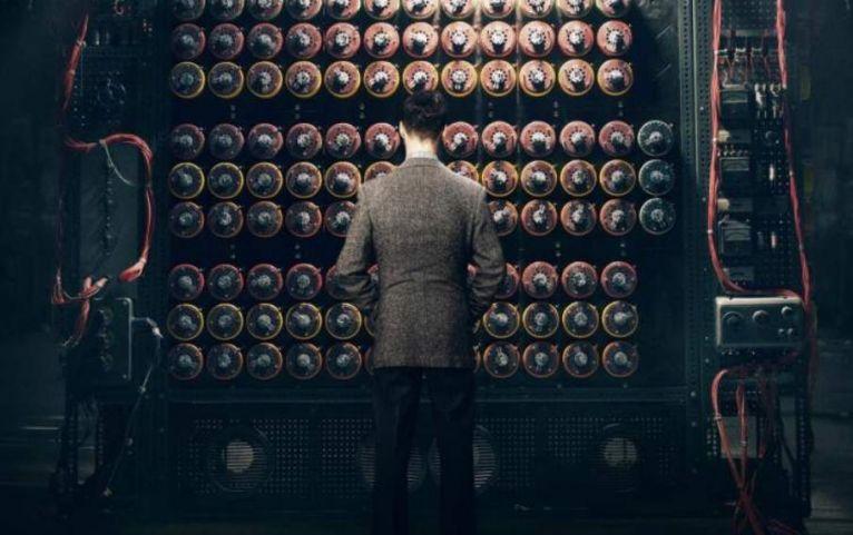 德国潜水员打捞上一台著名的Enigma加密机