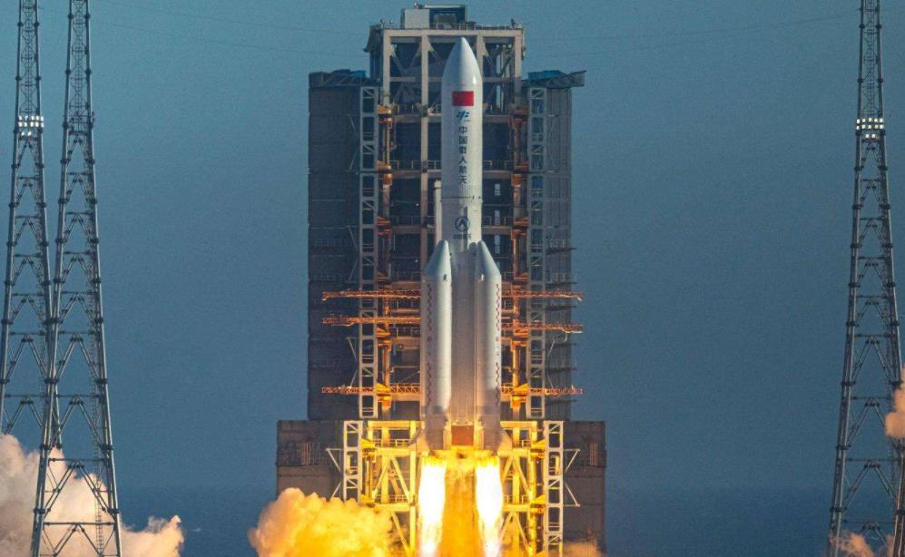 中国发射嫦娥五号